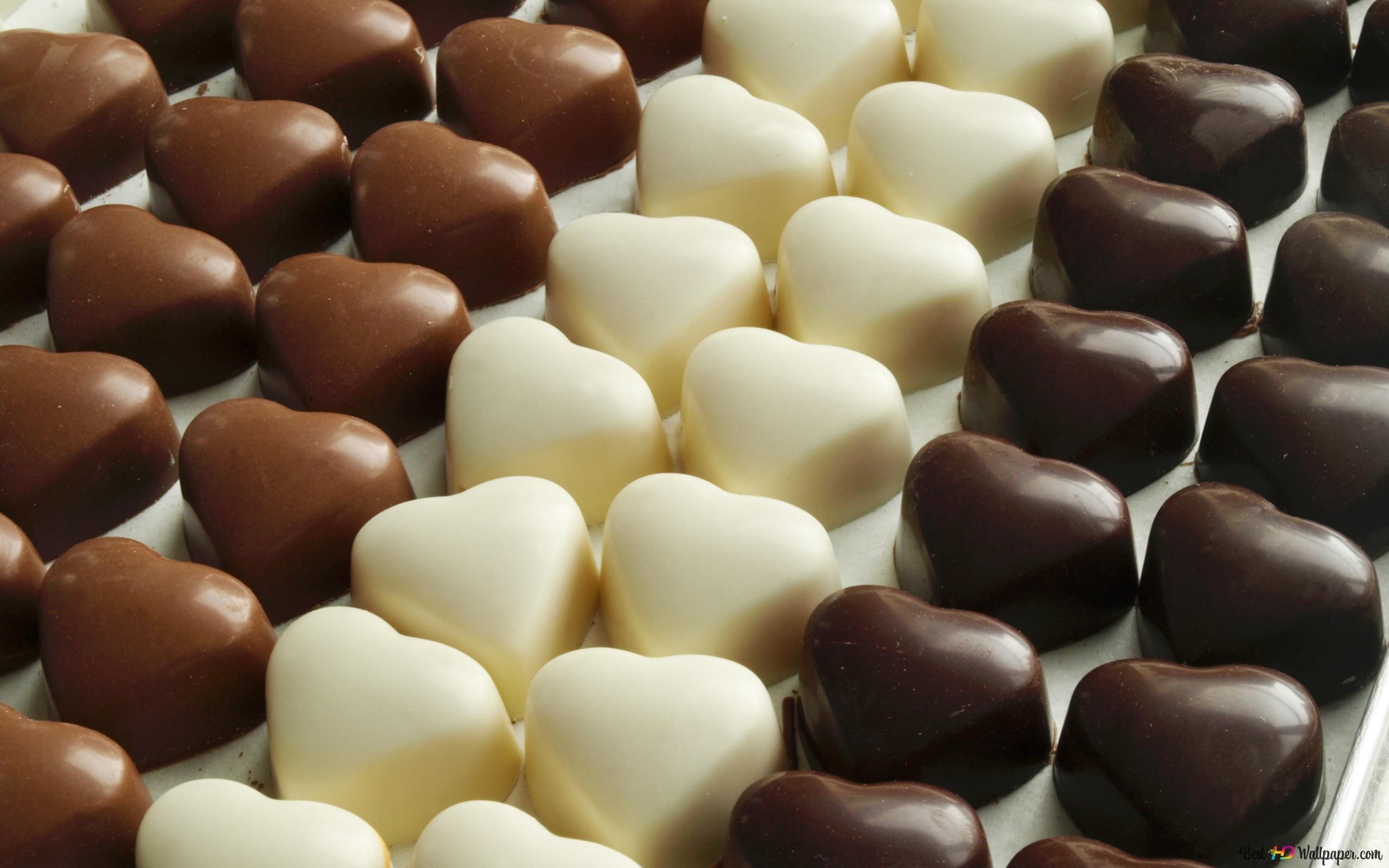 バレンタインデー 暗いと白のハートのチョコレート Hd壁紙のダウンロード