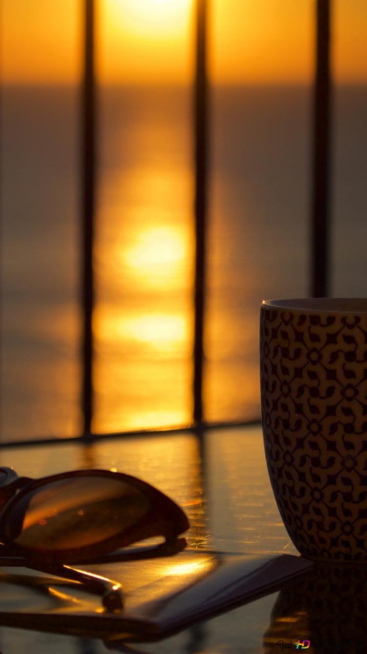 表中のコーヒーカップ Hd壁紙のダウンロード