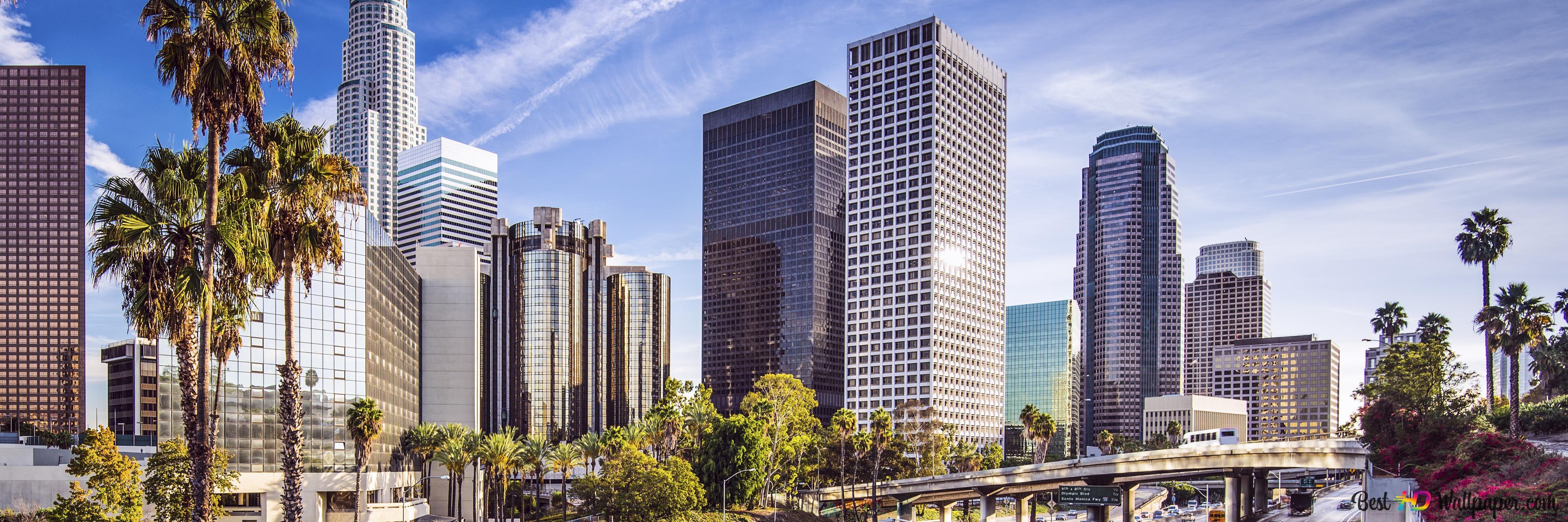 見事な高層ビルと忙しい高速道路があるカリフォルニア州ロサンゼルス Hd壁紙のダウンロード
